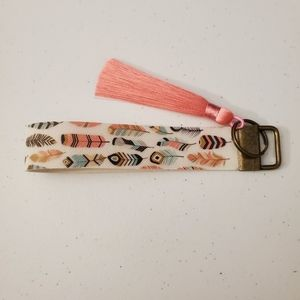 🎃 Buy 2/1 FREE Feather Key Fob with Tassel